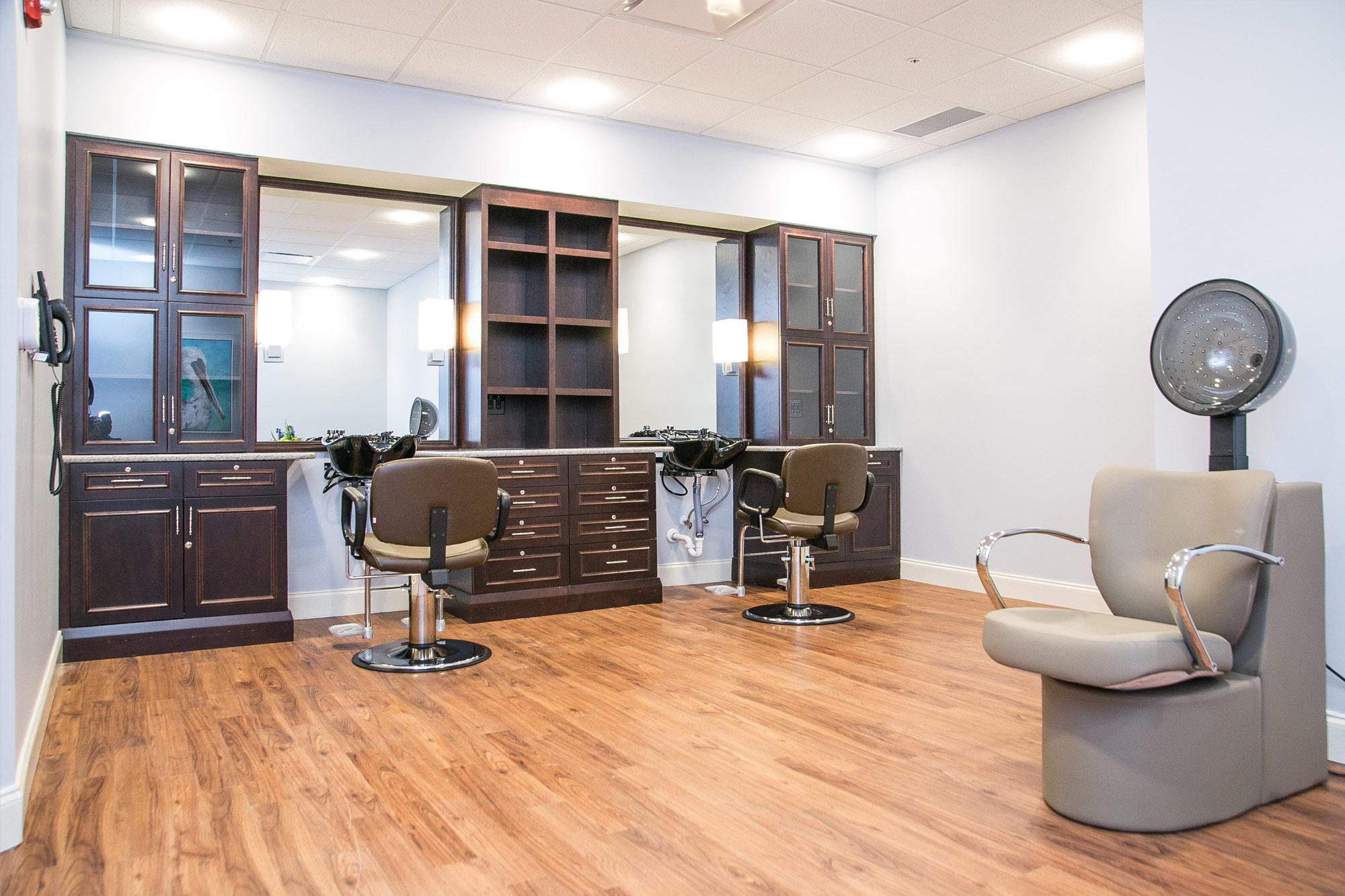 Grand Oaks of Palm City Salon